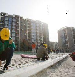 地砖能喝水玻璃防辐射 国奥村减排有高招