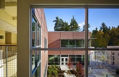 NAC事务所设计美国贝勒维的Eastgate小学