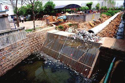三一重工改造排污管道致百余居民家中漫粪便