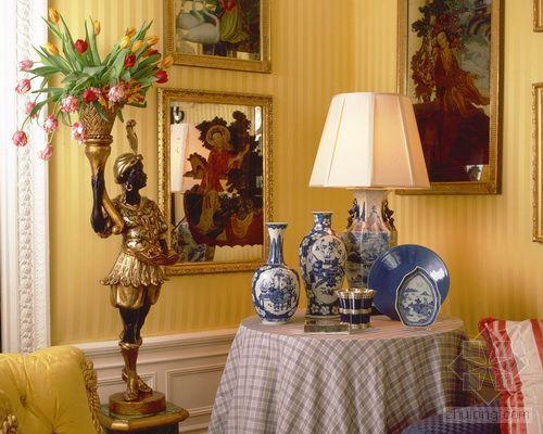 欧式古典的装饰风格资料下载-欧式古典家居中的装饰品 巧妙点缀画龙点睛
