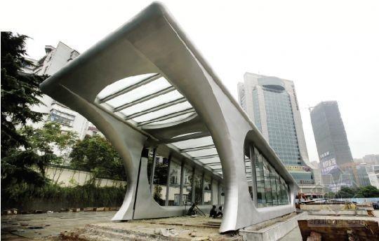 武汉地铁2号线出入口完工 造型似蛙跳
