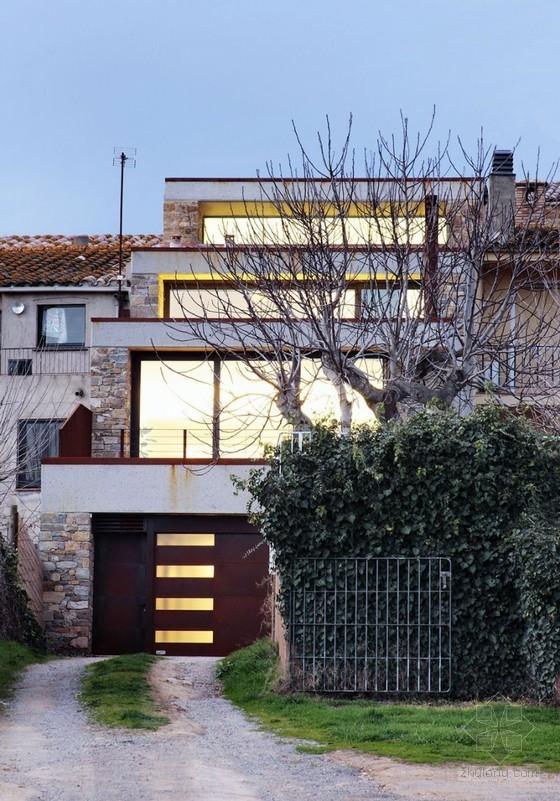西班牙错层式独立住宅装修设计