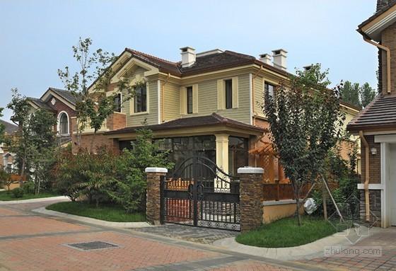 欧式古典的装饰风格资料下载-古典欧式风格别墅装修设计