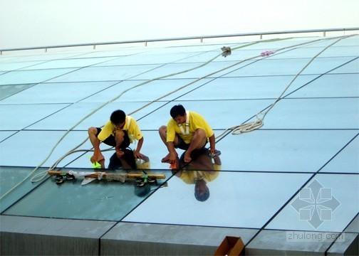 """贴膜玻璃让玻璃幕墙变得更""""智能"""""""