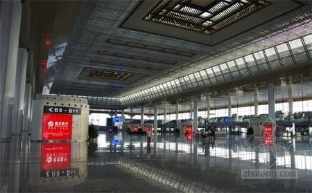 亚洲第一大高铁站南京南站漏雨严重