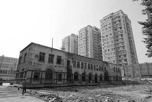 南京耗资500万整体平移一民国建筑