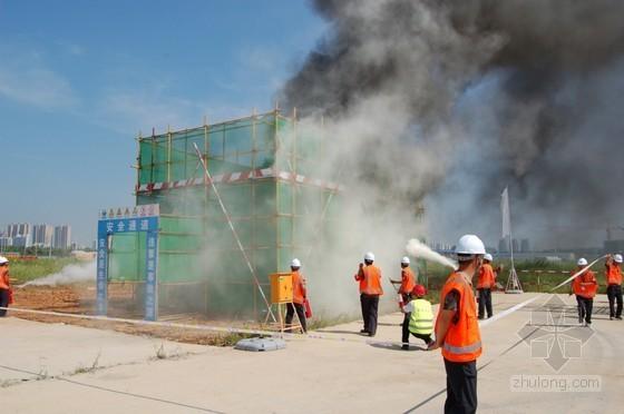 [湖北]武汉举行建筑工程综合应急救援演练