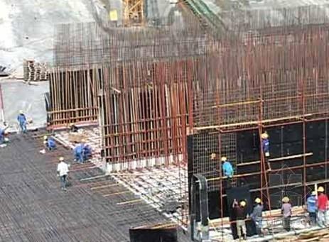 宁波建筑民工防暑 上午十点至下午三点不得露天作业