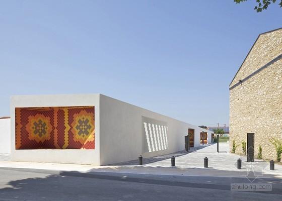 Comac设计的普罗旺斯展馆