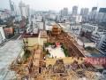 """南宁楼顶""""宫廷酒店""""被拆除 造价约300万元"""