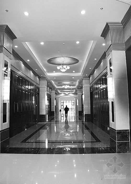 """重庆高职学校实训楼被质疑""""豪华如五星级酒店"""""""