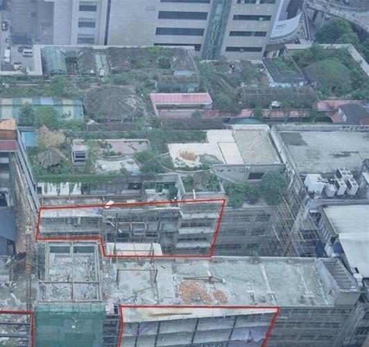 成都春熙商圈现700平米违建 2次叫停仍施工