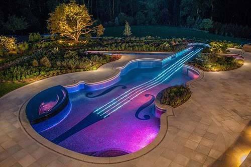 美国银行家投资百万美元建美轮美奂游泳池