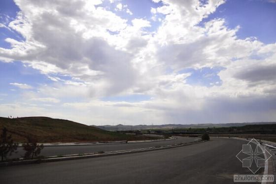 阿普贝思:草原上的云计算产业园区景观设计