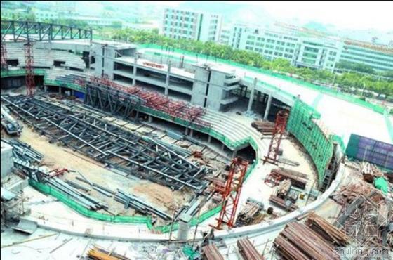 """汕大新体育馆主体封顶 设计理念为""""空中公园"""""""