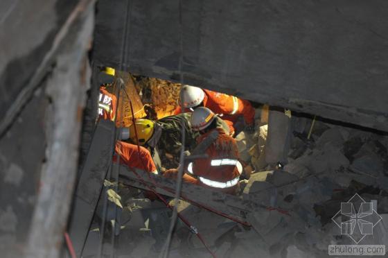 加盖楼房倒塌折射监管漏洞