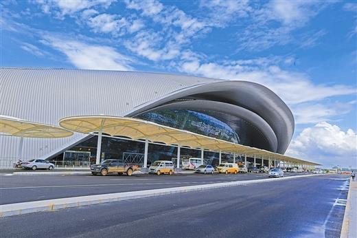 BIM助力南宁吴圩国际机场新航站楼高难度屋面施工