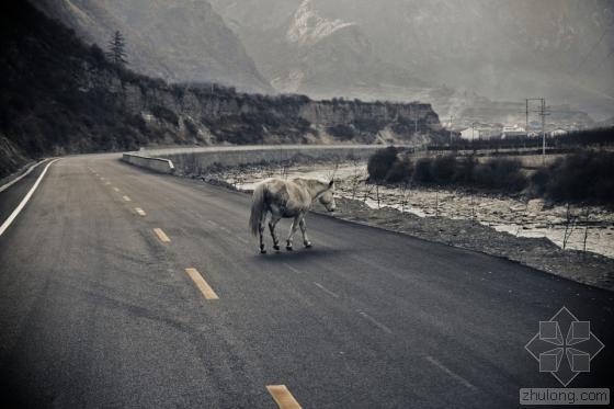 """在雅康公路上读懂川藏公路的""""昨天和明天"""""""
