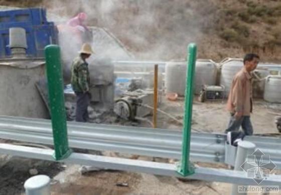 """山西岢临高速公路被爆""""豆腐渣工程""""用墨汁画出石缝"""