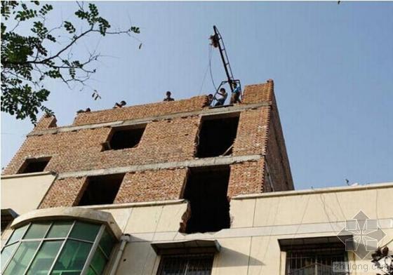 """""""盈辉家园""""2号楼规划批准16层,实盖26层。"""