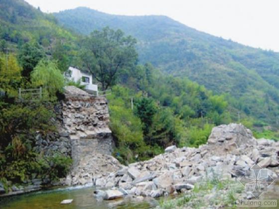 通村路桥梁资料下载-安徽黄山一施工桥梁突然垮塌