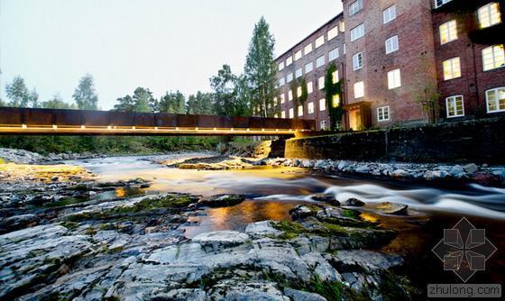 """挪威""""流动""""着的考顿钢板人行桥"""
