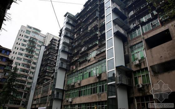 四川小区业主自筹120万加装3部电梯