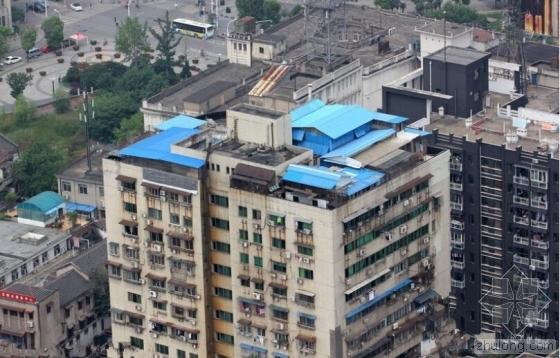 武汉楼顶违建鸽舍4年投诉无果 多硬的后台?