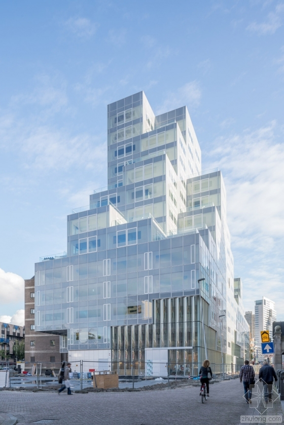OMA设计的鹿特丹Timmerhuis综合体已完工