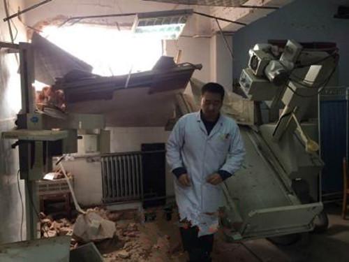 郑州一医院遭强拆 医生病人差点被埋(图)