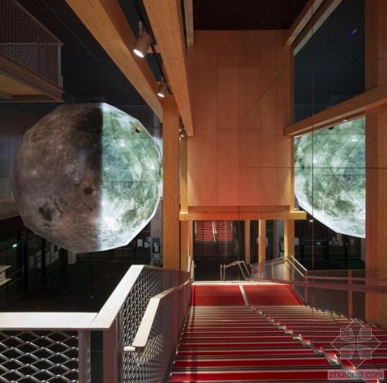 """把月球搬到影院 带你""""月球旅行"""""""