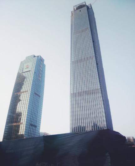 """南宁""""摩天""""热度被推高 高楼经济""""经济""""吗?"""