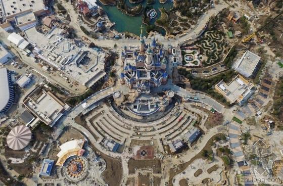 """上海迪士尼""""奇幻城堡""""拆脚手架后真容清晰可见"""