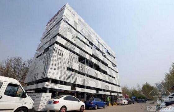 北京建立体式停车楼 2.5个车位可停16辆车