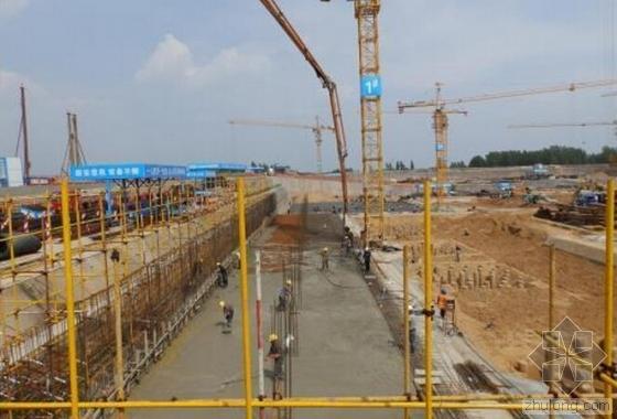 河南最大规模棚户改造工程首块筏板浇筑完工