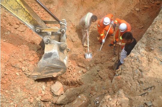 海南一施工现场发生坍塌 一工人遭活埋