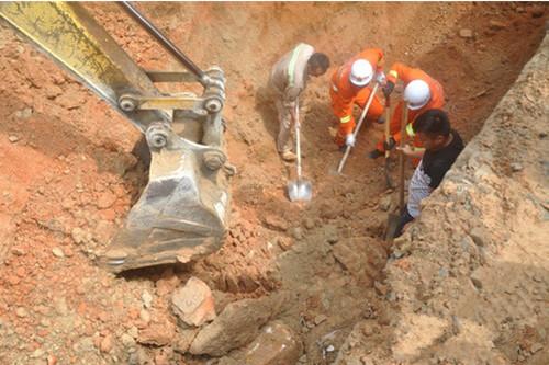 海南一施工现场发生坍塌 消防紧急救援被困工人