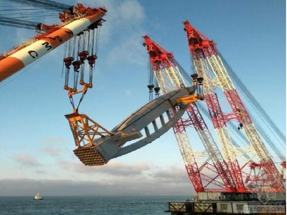 3000吨!港珠澳大桥世界首创大型钢塔整体吊装
