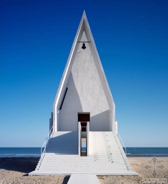 北戴河又添了一座新建筑 白色教堂合你口味么?