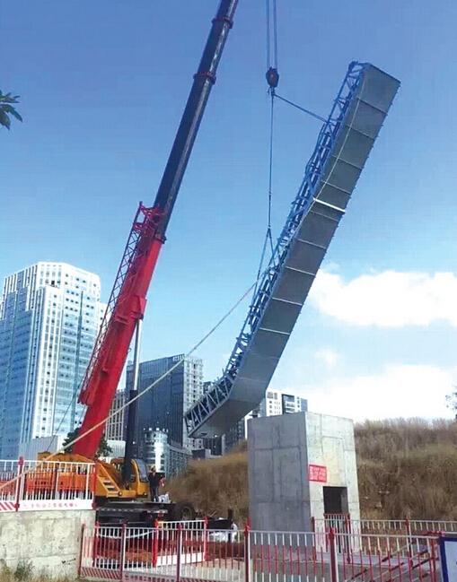 贵阳1号线首台电扶梯吊装 11月完成首通段扶梯安装