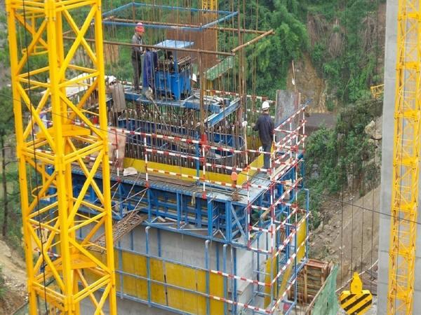 3,翻模施工   二,桥梁上部结构施工技术: (一)支架法/移动模架法/悬臂图片