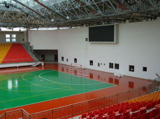 篮球场地面设计要考虑安全问题