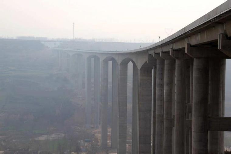 西北第一高墩桥五里坡特大桥欣赏