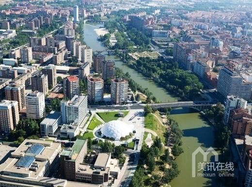 西班牙:Milenio广场