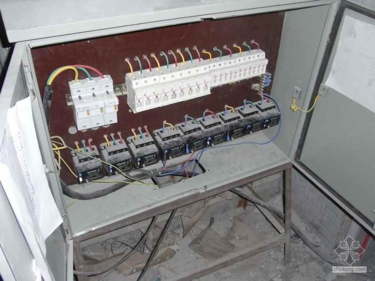 这样的临时用电电箱敢用吗?
