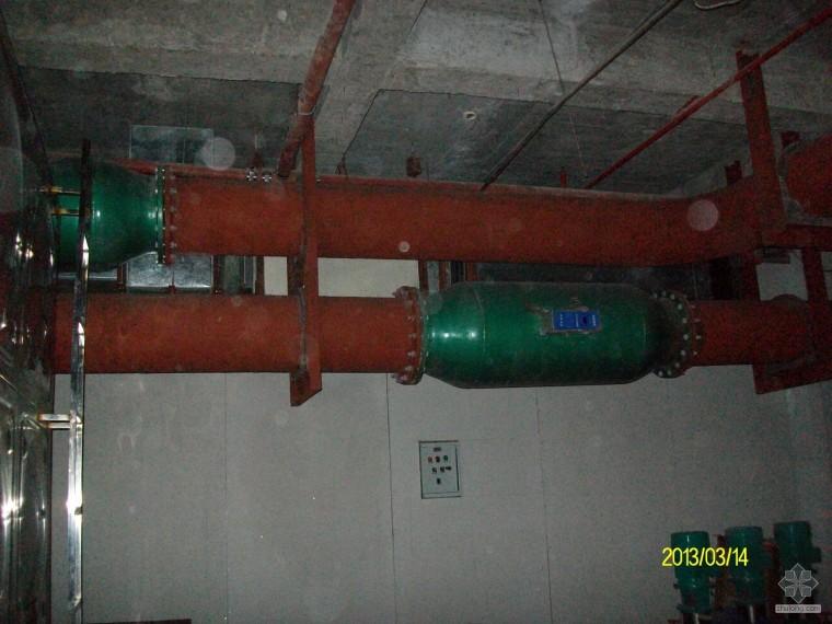 因资金问题停工的海水源热泵机房照片