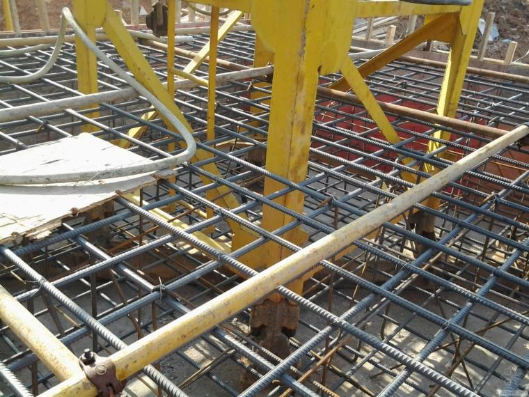 塔吊基础预埋螺栓偏位后的处理方案,由谁来认可?