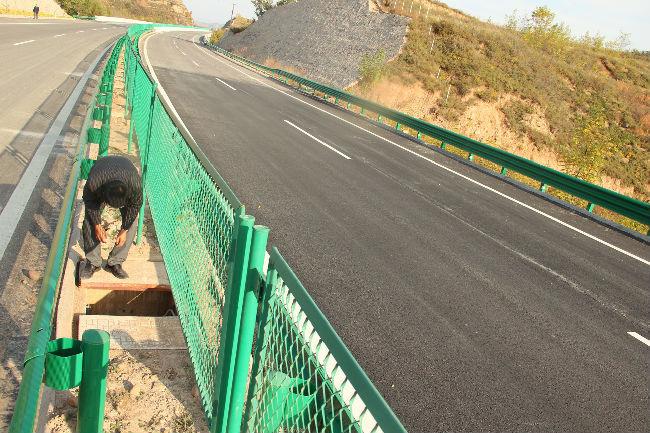 高速公路通信管道施工现场实录