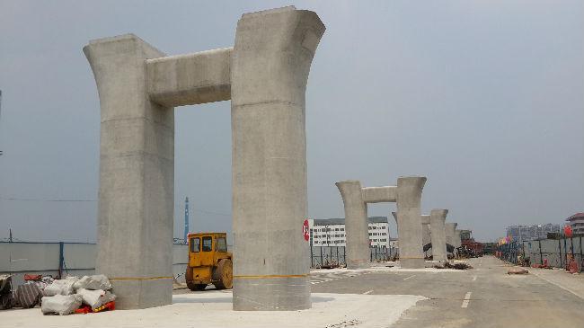 盘扣式脚手架在高架桥现浇箱梁项目中的设计和应用