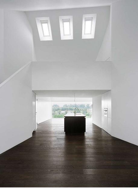 瑞士住宅改造-面向花园的观景窗